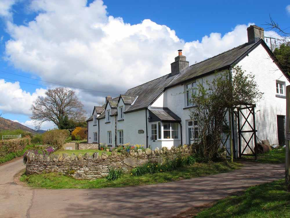 Cwmdu Holiday cottages